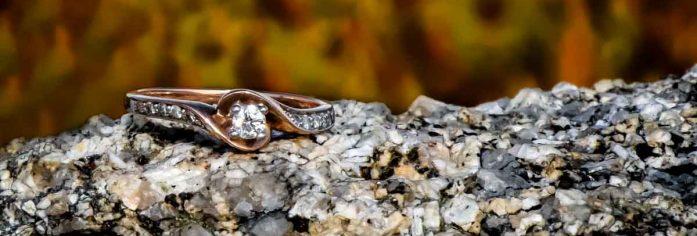 halifax, ns, nova scotia, peggy's cove, wedding, engagement, ring, rocks, fall, colors, ocean, sea