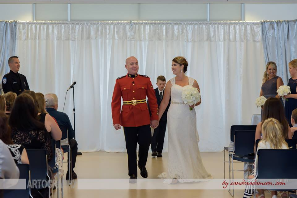 Halifax, Beaverbank, NS, Nova Scotia, wedding, photography, photographer, images, image, photo, photos, kinsac center, bride, groom, rcmp regalia, bride, groom, ceremony