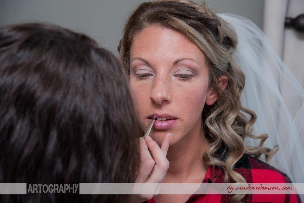 truro, salmon river, lower harmony, ns, nova scotia, wedding, photography, photographer, image, photo, bride, lipstick, lip, gloss, getting ready