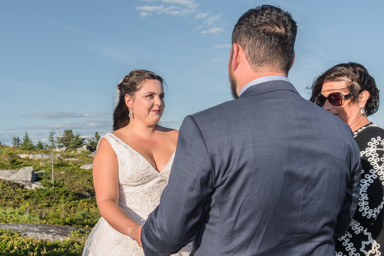 swiss air monument, wedding ceremony, bride, groom